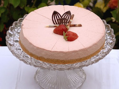 A view of no bake cheesecake, Strawberry cheesecake