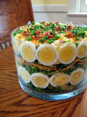 seven layer salad, vegetable salad