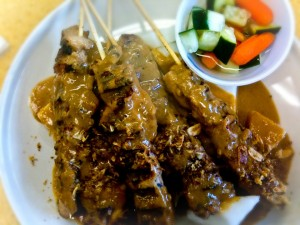 chicken-satay-with-peanut-sauce